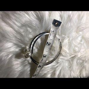 unbranded Jewelry - ❤️Silver 4 pearled bracelet❤️